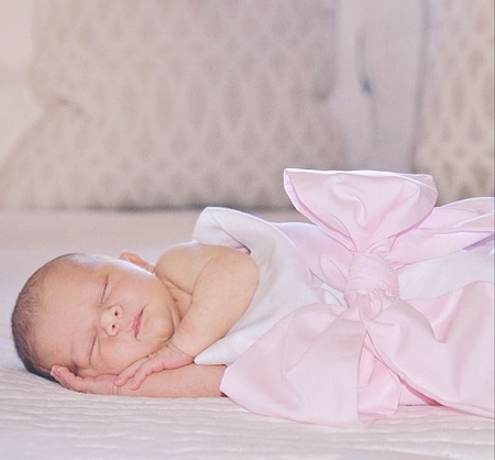 Monogrammed Swaddle Blanket With Pink Bow The Pink Giraffe