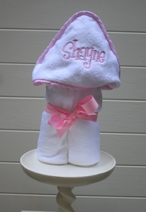 Monogrammed/Personalized Seersucker Trim Hooded Towel - Pink