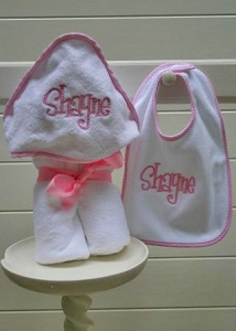 Monogrammed/Personalized Seersucker Trim Towel and Bib Set